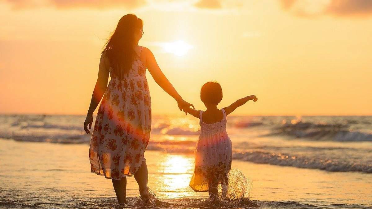 День матері: історія та як відзначають день свята